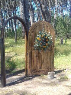 Forest Wedding Venue, Wedding Venues, Mountain View, Arch, Outdoor Structures, Garden, Wedding Reception Venues, Wedding Places, Longbow