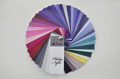 Alkoss elegáns és hűskombinációkat a Hideg Nyár színkártyájával! Ezt a színkártyát azért készítettem el, hogy mindig veled lehessenek a legjobb színeid! Mindegyik paletta a színtípus legjellemzőbb és egyben legkarakteresebb 45 árnyalatát tartalmazza, praktikusan használható méretben. A színkártyák egyaránt alkalmasak professzionális célokra, (színtanácsadáshoz, prezentációhoz, stylist tanácsadáshoz stb.), és hétköznapi felhasználásra! Koordináld profiként a ruhatárad! Az egyéni színkárt...