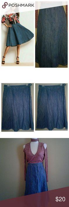 Denim Knee Length Skirt (Eddie Bauer) Denim Knee Length Skirt (Eddie Bauer)    Vintage style  Excellent Conditions  Super cute  on Stylish   Size 6  100% Cotton Eddie Bauer Skirts Midi