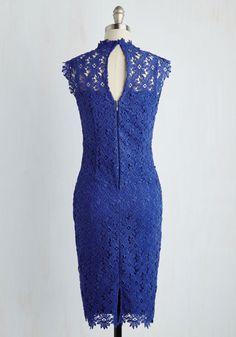Hanım hanımcık bir yanım var evek kabul ediyorum fdfıhşrıfhe   Kalem elbise aşkına!!  All Chic Wrote Dress. Write the book on beguiling elegance by flaunting this royal blue sheath dress! #blue #modcloth