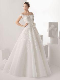 A-line / Principessa al largo della spalla senza maniche Tulle di Applique Corte dei treni Abiti da sposa