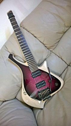 15 Excellent Electric Guitars Hollow Body Case Electric Guitars With Locking Tuners Guitar Body, Music Guitar, Cool Guitar, Acoustic Guitar, Ukulele, Guitar Art, Guitar Chords, Guitar News, Music Music