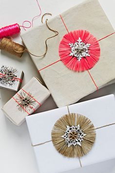 pretty gift wrapping with twine stars