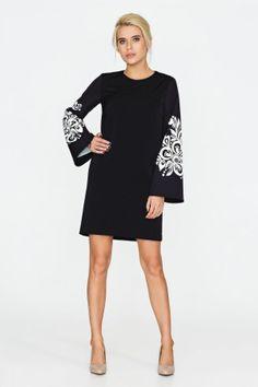 Сучасні сукні від українських виробників · Елегантна чорно-біла сукня  А-силуету. Сукню пошито зі щільної та теплої костюмної 26b71630c3b7b