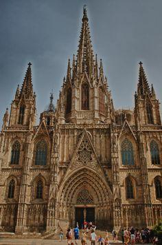 Rincones con encanto - #Catedral de #Barcelona en el barrio #Gotico - http://www.viajarabarcelona.org/lugares-para-visitar-en-barcelona/la-catedral/ #visitar #viajar #turismo #guia