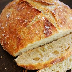 No-Knead Crusty Artisan Bread @keyingredient #crockpot #delicious #bread