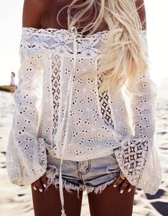 2017 New Summer Women Long Sleeve Loose Blouse Off Shoulder Shirts Tops Fashion blusas feminino Amazing White Look Boho Chic, Bohemian Style, Hippie Style, Bohemian Fashion, Bohemian Tops, Ibiza Style Fashion, Bohemian Art, Ethnic Style, Bohemian Jewelry