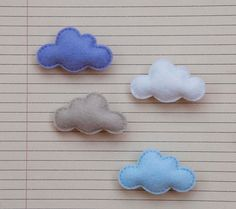 Felt cloud brooch di suyika su Etsy, $8,00