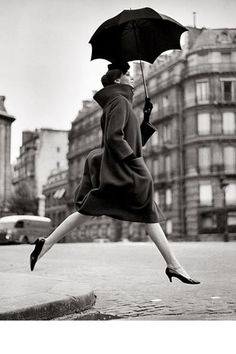Richard Avedon. The classic fashion photo.
