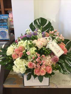 Box  flowers Baby Party Favors, Wedding Designs, Floral Arrangements, Wedding Flowers, Floral Wreath, Wreaths, Box, Home Decor, Rose Flower Arrangements