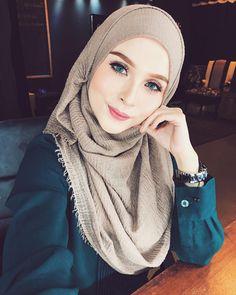 Beautiful hijab style #Hijab #hijabfashion #hijabstyle #nooranitravel @nooranitravel