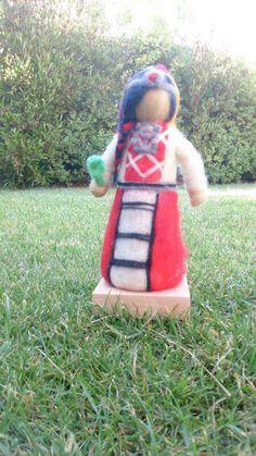Muñeca mapuche Picnic Blanket, Outdoor Blanket, Lunch Box, World, Godchild, Cute Stuff, Hand Art, Tutorials, Fabrics