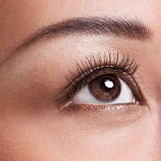 Look Younger Makeup Tip: Lift droopy eyes with eyeliner