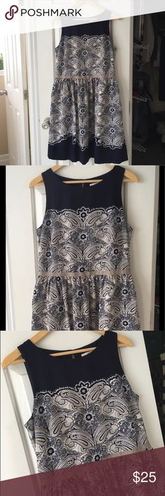 LOFT dress!! Size 8 Gorgeous navy/ white/ grey pattern with flattering fit. In excellent shape! Size 8. Make me an offer 😊 LOFT Dresses