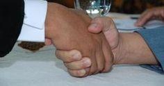Bagaimana Lafal Ijab Kabul Akad Nikah yang Benar? Haruskah Dengan Bahasa Arab?
