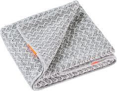AQUIS Lisse Luxe Hair Towel is made with AQUITEX, an innovative fabric woven from ultrafine fibers to quickly wick water away--for all hair lengths. Kids Box Braids, Small Box Braids, Aquis Hair Towel, Vibrant Hair Colors, Haircuts For Fine Hair, Hair Flip, Strong Hair, Box Braids Hairstyles, Hair Care Routine