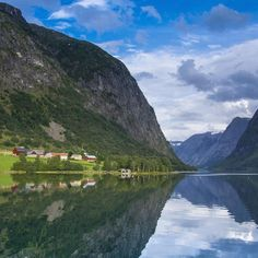Fiords in Norway #visitnorway  #bestofnorway #travel #explore #travelphoto #followback #travelphotooftheday #podroze #onedaystop