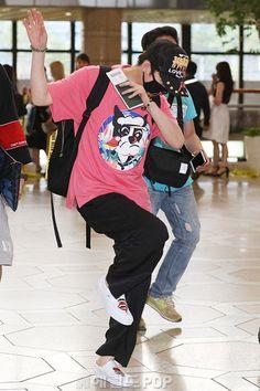 꽃잎님 (@heechulfacts) | Twitter Super Junior, Kim Heechul, Bb, Punk, Angel, Twitter, Style, Swag, Punk Rock