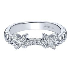 Butterfly wedding band. Love this!