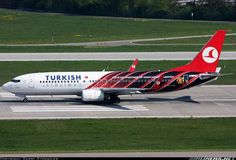 """Turkish B738 """"Manchester United"""".. Passenger Aircraft, Airplane Design, Turkish Airlines, Aircraft Painting, Come Fly With Me, Commercial Aircraft, United Airlines, Civil Aviation, Paint Schemes"""