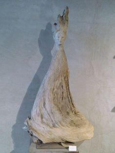 モリソン小林さんの木彫。素...