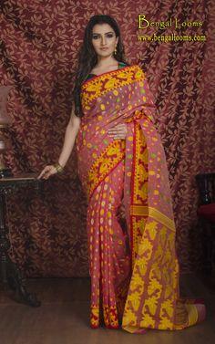 Bengali Saree, Indian Sarees, Indian Attire, Indian Wear, Dhakai Jamdani Saree, Saree Models, Bridal Collection, Beautiful Outfits, Casual Wear