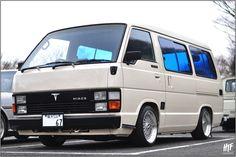 Toyota Commuter Van Picture - https://www.twitter.com/Rohmatullah77/status/704057108455690241