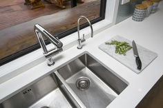 Double sink to make washing up easier, water filter tap