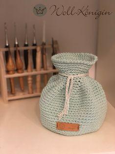 Ein echter Hingucker und die Farbe ist ein Traum Crochet Patterns, Diy, Decor, Nice Things, Tutorials, Colour, Nice Asses, Decoration, Bricolage