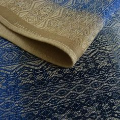 Didymos Ada Natural hempsilk-Ada is a new weave. Soft, yet textured. Squish to toddler worthy. A special wrap designed by a group of (mostly) Canadian Didy lovers. This is a medium-thicker weight wrap with the added support and squish of hemp and linen, great for beginners and experts alike.