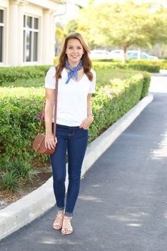 Spring Trend: white tee & a neck bandana | spring style | spring fashion | fashion for spring and summer | warm weather fashion | style tips for spring | fashion tips for spring || Absolutely Annie