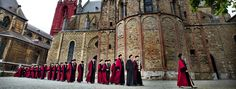 Maastricht University Ceremonies beneath the most beautiful architecture in one of the oldest Dutch cities.  #maastrichtuniversity #studyabroad #uni #architecture #europe #maastricht #travel