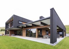 Napier Karl   BRENDON GORDON ARCHITECTURE » nice horizontal timber accent with window eyebrow