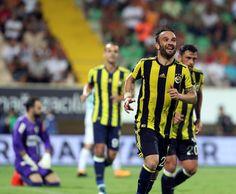 Alanyaspor 1-4 FB Valbuena'nın ikinci golü sonrası sevinci.