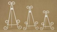 Antique White 'Stratford' Metal Easel product image