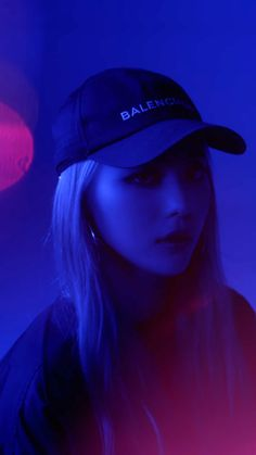 Blue Aesthetic, Kpop Aesthetic, Kpop Girl Groups, Kpop Girls, Lockscreen Hd, Loona Kim Lip, Lip Wallpaper, Chuu Loona, Singing In The Rain