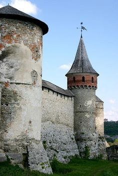 Kamyanets-Podilsky Castle, Ukraine, is a former Ruthenian-Lithuanian castle and later a three-part Polish fortress.  It is dated to the early 14th century, or earlier.