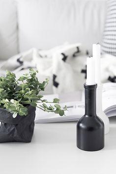 Minimal scandi vignette | black and white décor