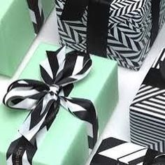 """""""Just putting some wrapping inspiration out there....I love this colour combo!! #wrap #giftwrap #wrappingpaper #inspo #ribbon #instalike #instagood"""" Photo taken by @wrappingribbonsandpaper on Instagram, pinned via the InstaPin iOS App! http://www.instapinapp.com (10/12/2015)"""