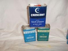 Vintage Crescent Spice Tins, Black Pepper, Paprika, advertising, lot of 3 spice  #Crescent