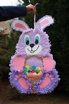 Piñata conejo morado