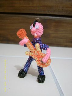 Rock star scoubidou - love the guitar! Fuse Beads, Pearler Beads, Gimp Bracelets, Paracord Bracelets, Plastic Lace Crafts, Paracord Weaves, Diy And Crafts, Arts And Crafts, Duct Tape Crafts