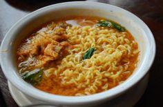Kimchi Ramen Noodle Recipe (김치라면) | A quick and super easy recipe how to make your ramen taste much better!