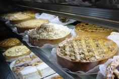 Hoy en #GuiaAlmagro conoce La Violette, una pastelería que te sorprenderá con su gran variedad de kuchenes y pasteles artesanales.