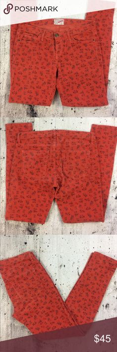 "Anthropologie Current Elliott the ankle skinny Anthropologie Current Elliott the ankle skinny poopy ditsy blossom corduroy pants  cotton and spandex blend inseam 30"" rise 8"" Anthropologie Pants Skinny"