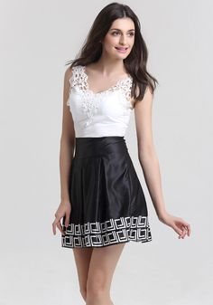 Black White Sleeveless V-neck Lace Patchwork Dress