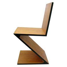"""Bauhaus Chair   """"Zig Zag""""   Gerrit Thomas Rietveld (1934)…"""