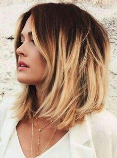 Makeup Dark Blonde Hair Ombre Ideas For 2019 Medium Hair Cuts, Short Hair Cuts, Medium Hair Styles, Short Hair Styles, Chic Short Hair, Very Short Hair, Trendy Hair, Hair Color Highlights, Hair Color Balayage