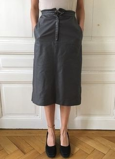 Kaufe meinen Artikel bei #Kleiderkreisel http://www.kleiderkreisel.de/damenmode/knielange-rocke/149099448-grauer-vintage-lederrock-midiskirt-a-linie
