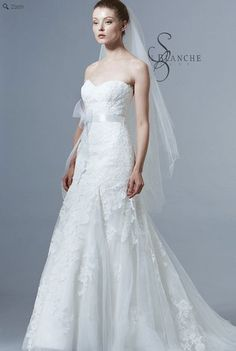 Saison Blanche Wedding Gown - Boutique Collection - Style #B3141